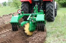 Double mouldboard plough with a mechanism for raising the furrow bottom  LPz-P1T